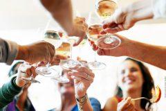 jubiläumsfeiern organisieren! Um ein Event bis ins kleinste Detail zu organisieren, muss man viele Aufgaben erledigen. Erfahre hier wo Ihr Unternehmen sich dabei hilfen holen kann.