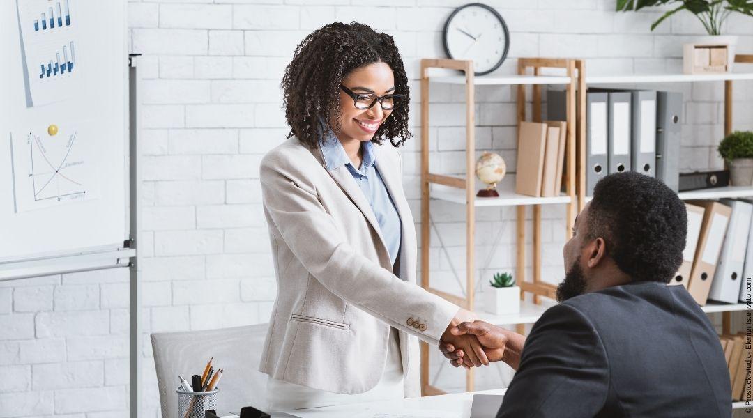 Wie Headhunter bei der Rekrutierung von guten Vertriebsmitarbeitern helfen können
